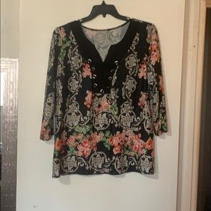 Stretchy work blouse. Green and red floral